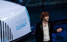 Dutch Inventor Demonstrates Device to Remove Plastic from Rivers