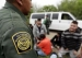 US Expels Thousands of Asylum Seekers to Mexico Over Virus Fears(翻译)